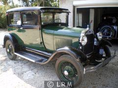FORD A coach Tudor Sedan (Photo 1)