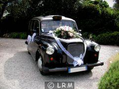 CARBODIES Taxi Anglais FX4 (Photo 1)