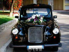 CARBODIES Taxi Anglais FX4 (Photo 3)