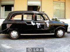 CARBODIES Taxi Anglais FX4 (Photo 4)