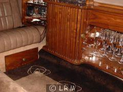 LINCOLN Town Car Limousine (Photo 3)