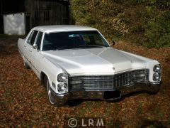 CADILLAC Fleetwood 75 (Photo 1)