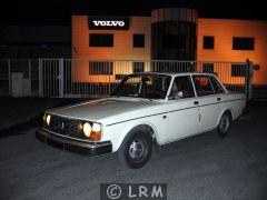 VOLVO 244 DL (Photo 2)