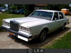 LINCOLN Town Car (Photo 1)