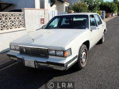 CADILLAC Fleetwood (Photo 1)