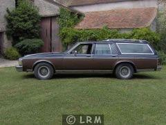 OLDSMOBILE Custom Cruiser (Photo 3)