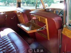 BENTLEY S (Photo 5)