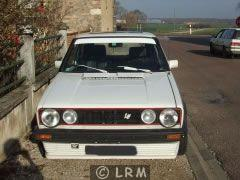 VOLKSWAGEN Golf GTI (Photo 1)